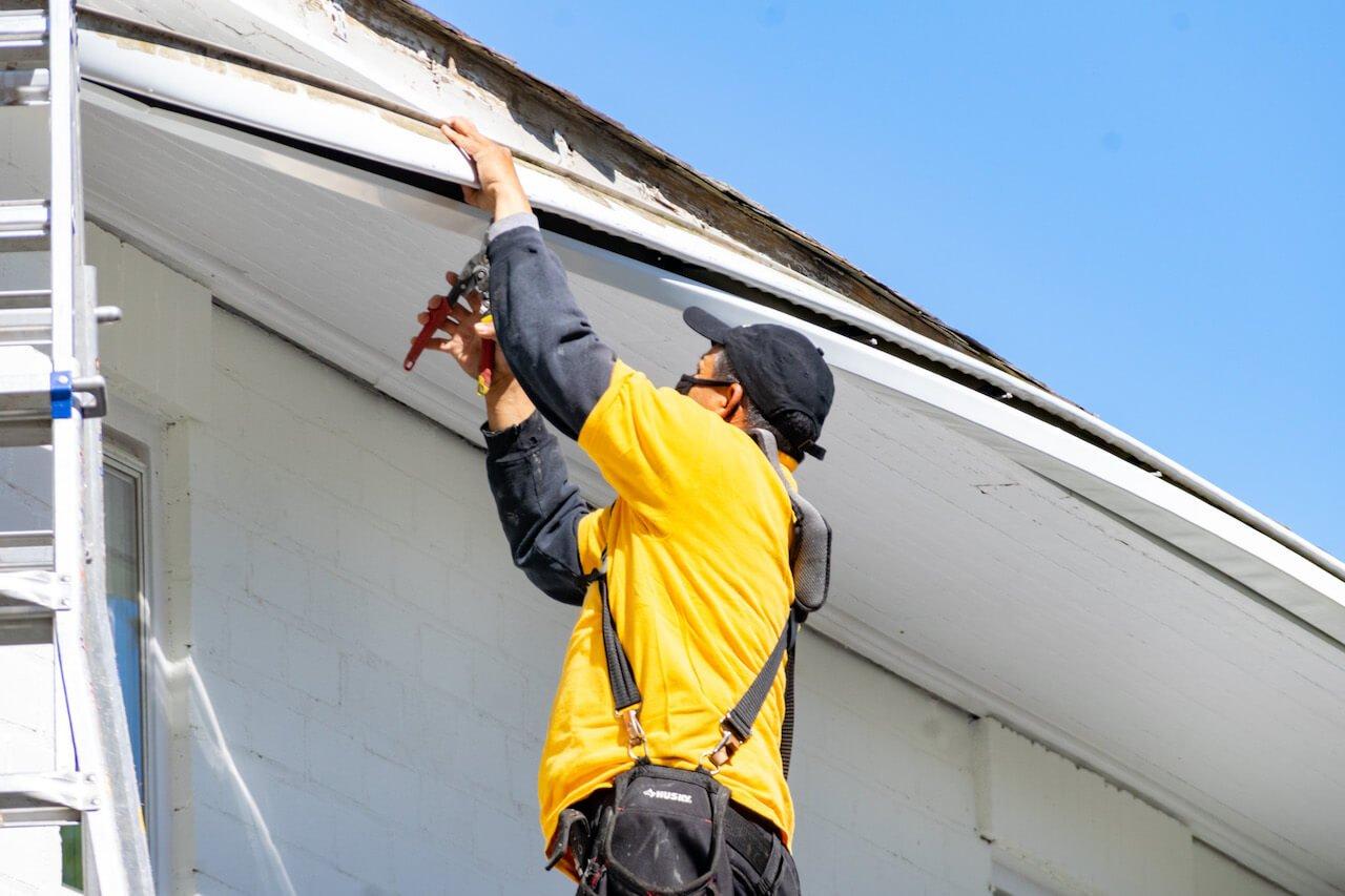 Gutter Bros LLC Gutter Maintenance Ongoing Service Stamford CT (203) 316-8526