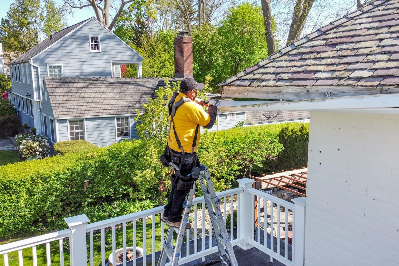 Gutter Bros LLC Gutter Repair Service Stamford CT (203) 316-8526