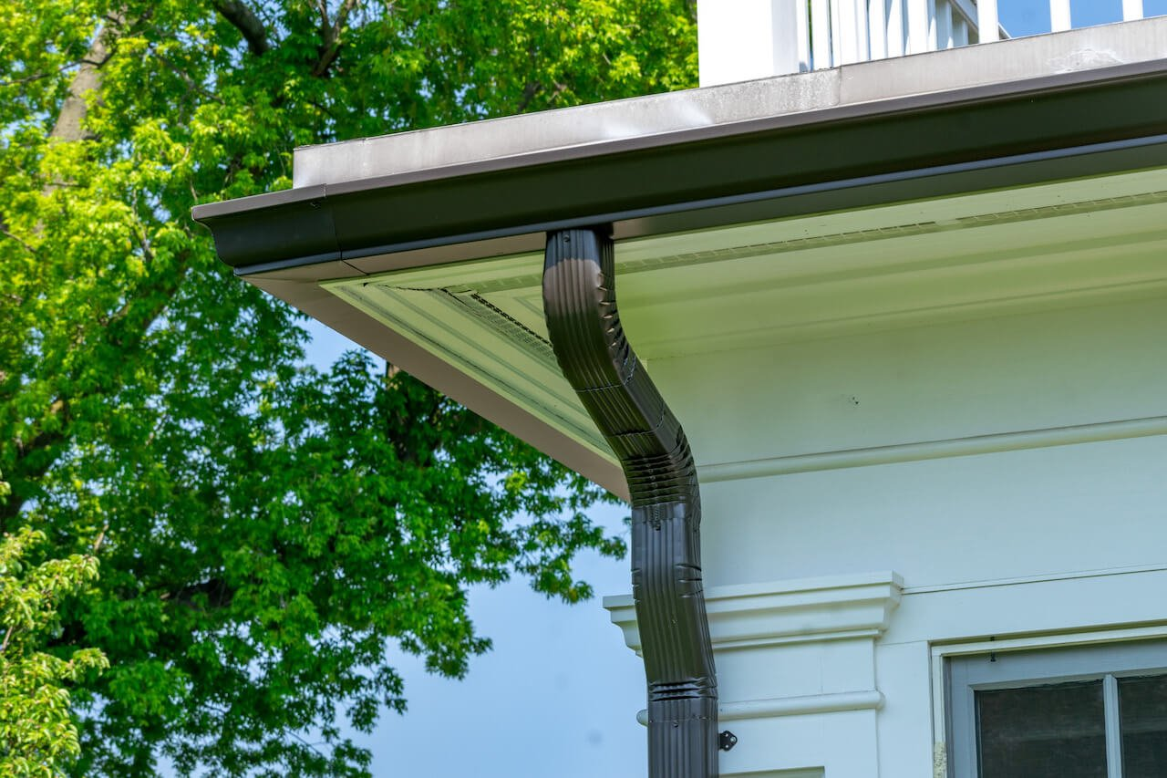 Gutter Bros LLC Rain Gutters and Downspouts Stamford CT (203) 316-8526