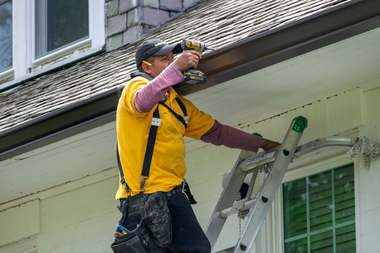Gutter Bros LLC Install New Rain Gutters Stamford CT (203) 316-8526