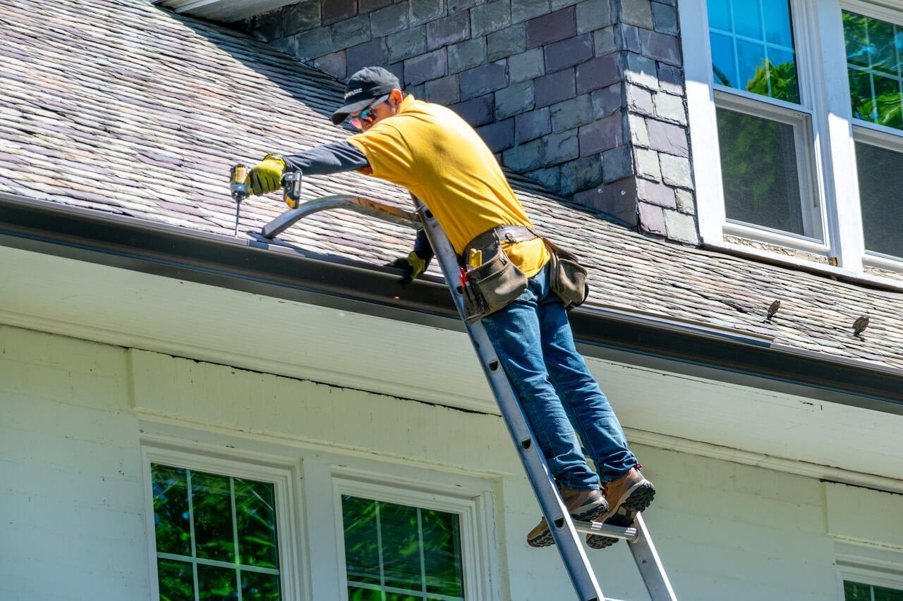 Gutter Bros LLC Gutter Maintenance Service Stamford CT (203) 316-8526